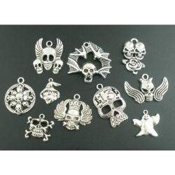 Skull- Halloween Anhänger-Mix, Antiksi..